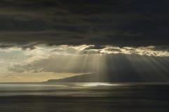 Une vue de La Gomera de Tenerife Photographie stock libre de droits