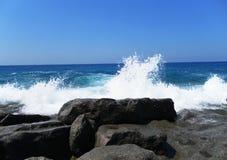 Une vue de la mer du rivage Photo stock