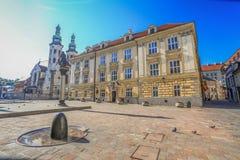 Une vue de la rue la plus ancienne dans la rue de Cracovie - de Kanonicza - la Pologne Image stock