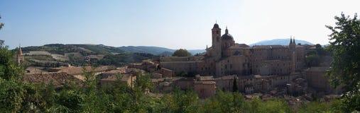 Une vue de la ville d'Urbino Image libre de droits