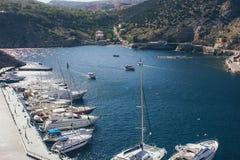 Une vue de la ville sur la Mer Noire en Ukraine avec un bon nombre de yachts Photographie stock libre de droits
