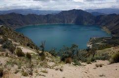 Une vue de lac Quilotoa Photo stock