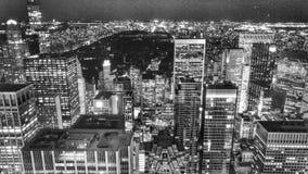 Une vue de Manhattan et de Central Park la nuit photographie stock libre de droits