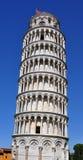 Une vue de plan rapproché de la tour penchée à Pise Images stock