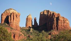 Une vue de Sedona& x27 ; roche célèbre de cathédrale de s Photos stock