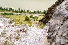 Une vue du paysage avec le katun de rivière, roches, nature, esprit photos stock