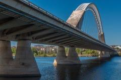 Une vue gentille sur la perspective du pont de Lusitana Photo libre de droits