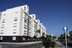 Une vue moderne de Cadix, une des villes les plus antiques d'Europe occidentale Images libres de droits