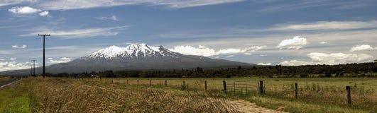 Une vue panoramique sur le support Ruapehu Image stock