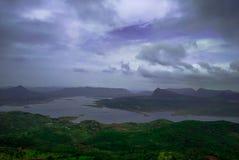 Une vue supérieure de rivière du maharashtra, Inde image libre de droits