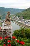 Une vue sur la Moselle images stock