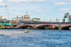 Une vue typique à Londres images libres de droits