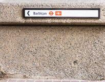 Une vue typique dans le secteur de barbacane à Londres image stock