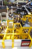Une vue vers le bas dans le magasin de Lego au mail de l'Amérique dans Bloomingto Images stock