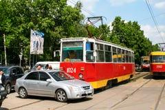 Unfall mit dem Auto und der Straßenbahn Stockbilder