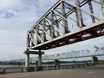 Unfertige Eisenbahnbrücke lizenzfreie stockbilder
