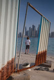Unfertige Gebäude auf dem Strand in Dubai Lizenzfreie Stockbilder