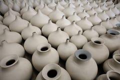 Unfertige Porzellantonwaren Stockfotografie