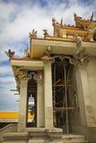 Unfertiger thailändischer Tempel. Stockbild