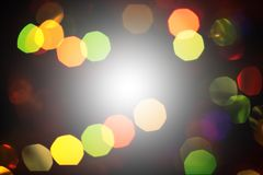 Unfocused abstrakt mörk festlig bakgrund med bokeh Vinter Ch Royaltyfria Foton