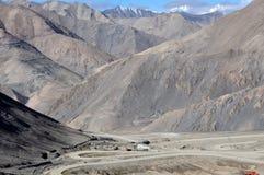 Unfruchtbare Berge lizenzfreie stockfotos