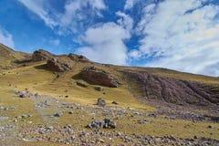 Unfruchtbarer Felsen stockfoto