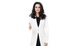 Ung affärskvinna på vit bakgrund arkivfoto