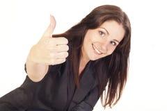 Ung affärskvinna som visar hand det ok tecknet Arkivfoton
