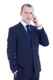 Ung affärsman som kallar på mobiltelefonen som isoleras på vit Arkivbilder