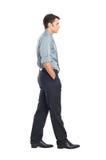 Ung affärsman Walking Royaltyfria Foton