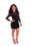Ung afrikansk amerikankvinna med långt hår Arkivfoton