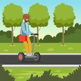 Ung afrikansk manridning på den segway sparkcykeln i parkera, för hjulmedel för elkraft två illustration för vektor vektor illustrationer