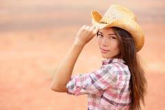 Ung amerikancowgirlkvinna Fotografering för Bildbyråer