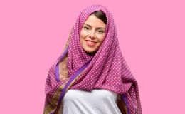 Ung arabisk kvinna arkivbild