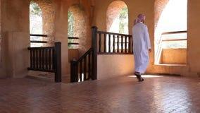 Ung arabisk man arkivfilmer
