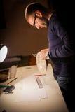 Ung arkeolog Arkivfoto