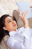 Ung asiatisk kvinna Arkivfoto