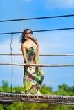 Ung asiatisk kvinna fotografering för bildbyråer