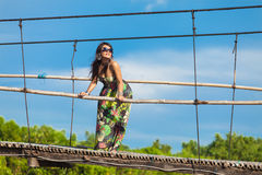 Ung asiatisk kvinna royaltyfri fotografi