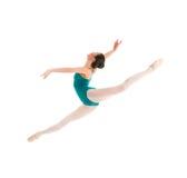 Ung balettdansörbanhoppning Royaltyfri Bild