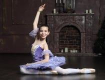 Ung ballerina Fotografering för Bildbyråer