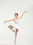 Ung ballerinadansare Arkivfoto