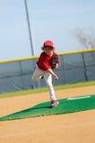 Barnserien i basebollkanna Arkivfoton