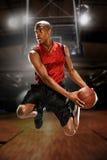 Ung basketspelare Arkivbilder