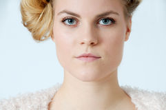 Ung blond kvinna Royaltyfria Foton