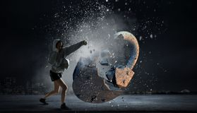 Ung boxarekvinna Blandat massmedia Royaltyfri Bild