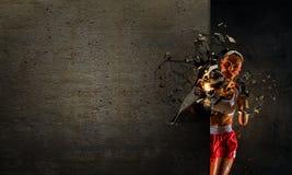 Ung boxarekvinna Blandat massmedia Blandat massmedia Royaltyfri Bild