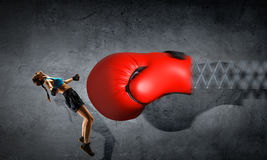 Ung boxarekvinna Blandat massmedia Blandat massmedia Royaltyfri Fotografi