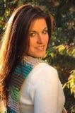 Ung brunettkvinna Arkivfoton