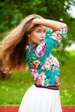 Ung brunettkvinna royaltyfria bilder